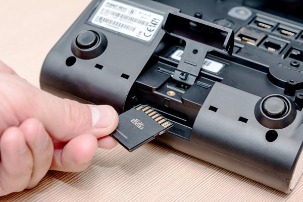 Kasa fiskalna Posnet Revo - Zapisuje kopie paragonów na karcie pamięci SD